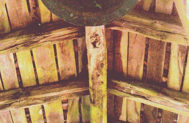 Egur saihetsak #dima #campana #ermita #artaun #madera – Instagram