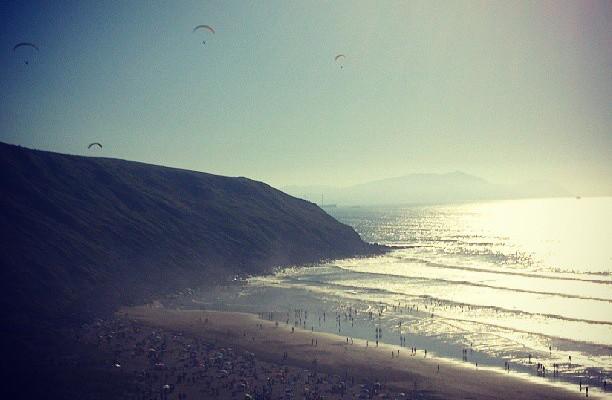 Egun zoragarria hondartzan #playa #sol #lasalvaje #larrabasterra #naturismo – Instagram