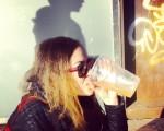 #PeterPan en #itzala k #garagardoa nahi #beer #girl #sun – Instagram