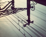 Zeruko amaraunean galduta #zerua #cielo #trenbidea #cables #tren #vías – Instagram