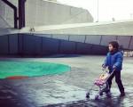Paseando a Miss… Pupu #paseoan #Barakaldo #irrienlagunak #Pupu #Lore #Pirritx #Porrotx #Marimotots #sillita #aulkitxoa #panpina – Instagram