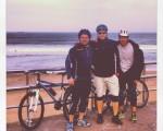 Lehenengo eguna izateko ederra hondartzaraino egindako txanpa! #bici #txirringa #bicivoladores #elTruenoAzul #hirukote #kuadrila #Abanto #Zierbena #Muskiz #LaArena hondartza #playa – Instagram