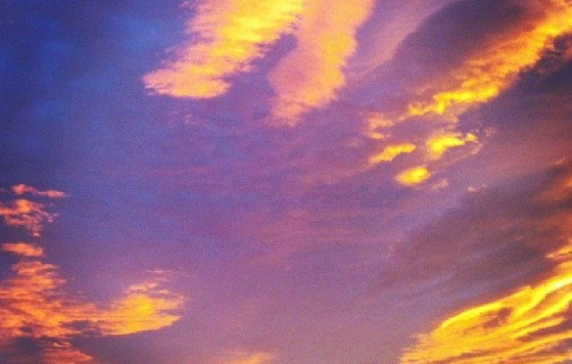 Egunon Bizkaia #amanecer #barakaldo #cielo #nubes – Instagram