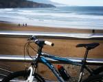 Gran debut del Trueno Azul! #bici #txirringa #bicivoladores #elTruenoAzul #hirukote #kuadrila #Abanto #Zierbena #Muskiz #LaArena hondartza #playa – Instagram