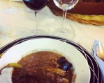 Otra alubiada más!!! Ummm! #Galdames #Enkarterri #Encartaciones #familia #babarrunak #alubiada #sacramentos #ardobeltza #vino #asador #ElPuente – Instagram