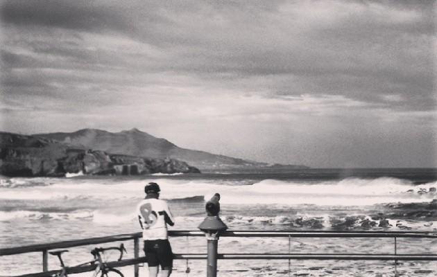 Mirando al mar soñé… #Playa #LaArena #hondartza #AbantoZierbena #Muskiz #Bizkaia #beach #mar #itsasoa #sea #txirringa #elTruenoAzul #bicivoladores #bizihegalariak #bici – Instagram