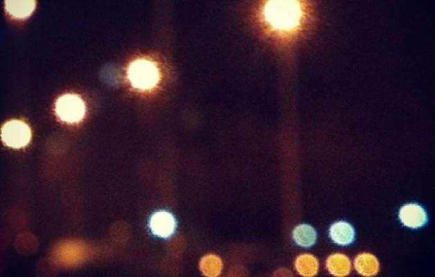 Gaueko argiek etxerako bidea erakusten digute #gaua #noche #luces #argiak #night #lights  #Barakaldo #bidea #camino #kalea #road #way #street – Instagram