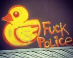 Ducks fuck the police! #graffiti #pato #ahatea #duck #fuck #police #policia #amarillo #kalekoartea #artecallejero – Instagram
