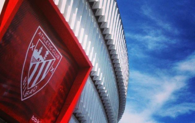 #SanMamesBarria #AthleticClub #Athletic #BetiZurekin #Athletik #AthleticdeBilbao #zurigorri #rojiblanco #LaCatedral #Katedrala #arkitektura #arquitectura #architecture #eraikina #zerua #cielo #sky #armarria #escudo #Bilbao #Bilbo #Bizkaia #gorritazuria – Instagram