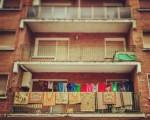 Eguneerokotasuna kaleratzen #balkoia #balcones #alfombras #arropa #eskegita #colada #ventanas #leihoak #ropa – Instagram