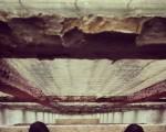 Argi izpien modura leihoaren zirrikituetatik zehar noa, erortzen, astiro… #leihoak #ventana #kristala #beira #cristal #oinak #pies #caidalibre #askatasuna #erori – Instagram