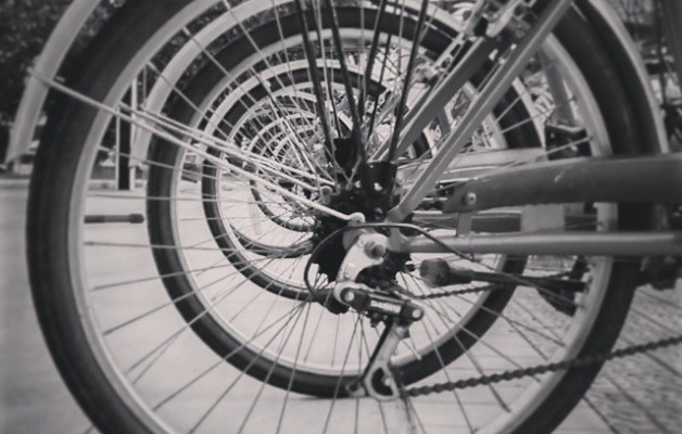 Herri bat ezagutzeko modurik sanoena! #Getxo #LasArenas #bizi #bizikleta #BizkaiaZubia #bicicleta #gurpilak #ruedas #serie #alquilerdebicicletas #elmundosobreruedas #ezagutubizkaia #igersbizkaia #igerseuskalherria #blancoynegro #zuribeltza – Instagram