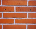 Egunones caravistas! #Sonrisas que no esperas a la vuelta de la #esquina! #caravista #ladrillos #rojos #ladreiluak #gorriak #irrifarrea #cara #aurpegia #begirada #mirada – Instagram