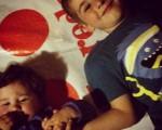 """""""Entre dos, enredos,entre tus brazos,entre tus dedos.En uno, unidos,en tus juegos,en tus sueños."""" Entre(laza)dos en uno – #AritzGarcia – Instagram"""