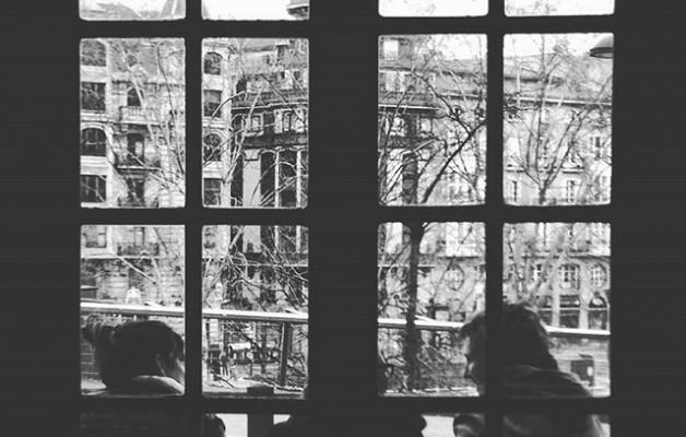 #café con vistas y buena #compañia #BarNervión #Bilbo #igersbizkaia #igerseuskadi #igerseuskalherria #ventanal #sombras #itzalak #Bilbao #blancoynegro #zuribeltz #momentos #placeresdominicales – Instagram