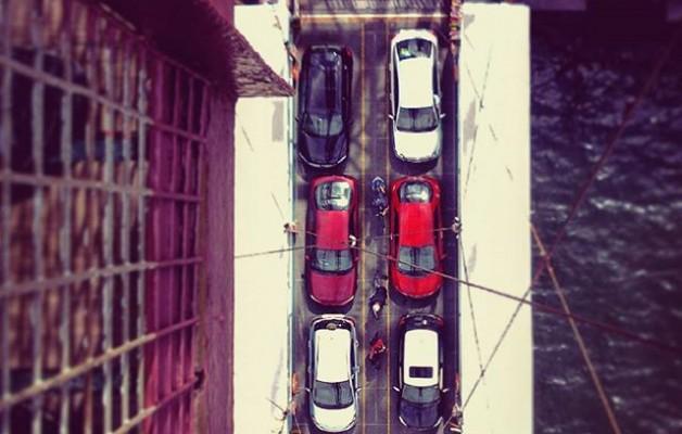 #Perspectiva desde las #alturas #barcaza #PuenteColgante #PuenteBizkaia #Portugalete #rojo #blanco #igersbizkaia #igerseuskadi – Instagram