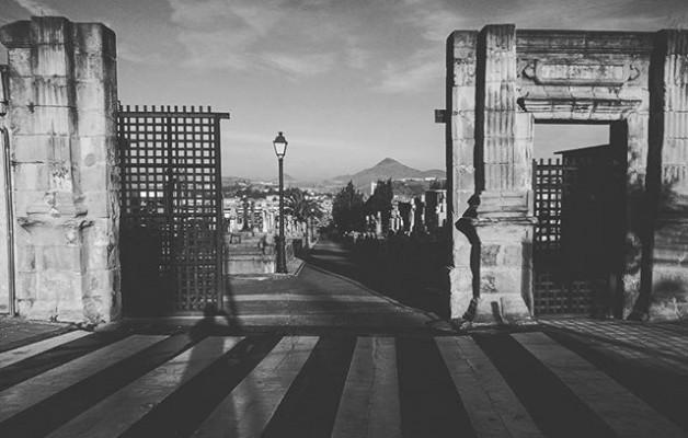 #Sombras olvidadas en el #tiempo #Barakaldo #Sanbizente #hilerria #SanVicente #cementerio #cemetery #blacknwhite #blancoynegro #zuribeltz @igerseuskadi – Instagram