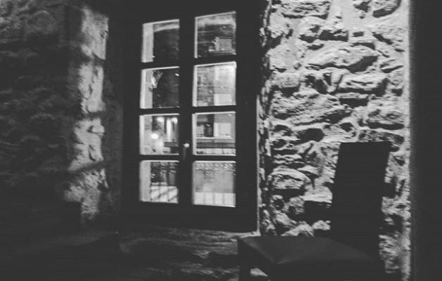 #Rincones para #reflexionar#introspección #reflexiorakotxokoak@igerseuskadi #blacknwhite #blancoynegro #zuribeltza – Instagram