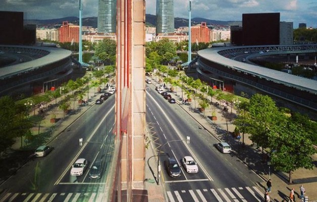 #simetrias #urbanas #Bilbo #Bilbao #reflejos #AlphaxStudio #vistas #Deustu #torreiberdrola #gruacarola @igerseuskadi @igersbilbao @instagram – Instagram