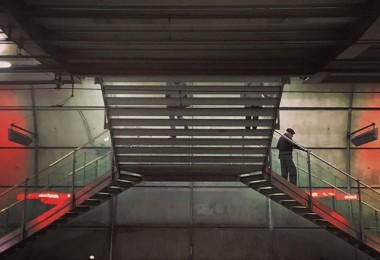 #simetrias #urbanas #escaleras #underground @igerrak igersbilbao @igerseuskadi @iberdrola #muchomasquefotosdebilbao @metro_bilbao – Instagram