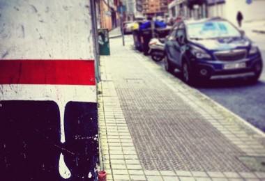 #lagota #ttantta #arteurbano #streetart #rojoblanconegro #gorrizuribeltz #redwhiteblack #perlasquetedeparalacalle @igerseuskadi @igerrak @igersbilbao @instagram – Instagram
