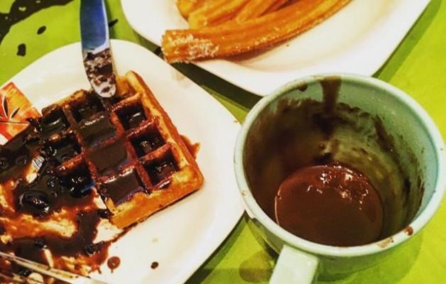 Lo mejor para un día como hoy: #gofres y #chocolateconchurros @igerrak @instagram #txokolate @igerseuskadi – Instagram