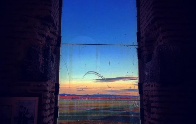 #atardeceresdesdeloalto #avistadepajaro #campanario #mamblas #avila @avilaautentica @igers @instagrames #ventanal #ventana – Instagram