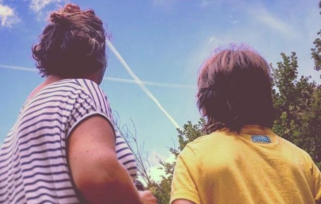 #conectados #konektatuak #betiko #amatasemea #madreehijo #bategin  #zeruaribegira #hodeiak #nubes #contemplandoelcielo #berganzo #araba #inglares #rutadelagua @igerseuskadi @igers @instagrames @igersgasteiz – Instagram