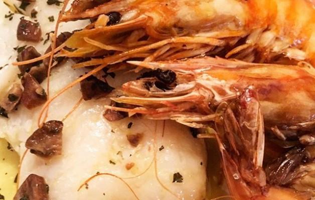 #bacalao con #langostinos #zelakosukaldariaetxekoa #lagrancocinera #cocineraamateurpro con permiso de @ainho_nhoita  #muyprofesional #cenasricasricas – Instagram
