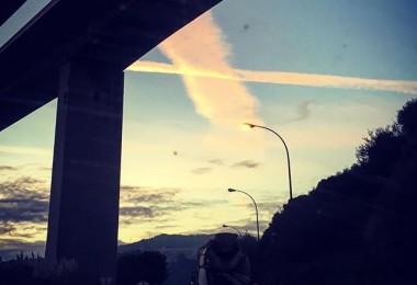 #gurutzatuak #arrontegizubia #puenterontegi #zerua #estelas #barakaldo #lutxana #bidean #hodeiak @igerseuskadi @barakaigers – Instagram