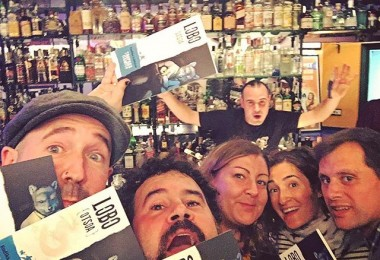 #lobo(@endikalahaine) y sus #lobeznas #otsoa#presentacion #libropoesia @taupaka plazer bat – Instagram